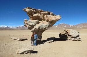 Arbol de Piedra Wüste von Siloli Bolivien Alexander Gottwald mit seiner Tochter Sita